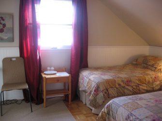À la Brunante chambre à coucher 3 IMG_1198