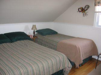 À la Brunante chambre à coucher 2 IMG_1199